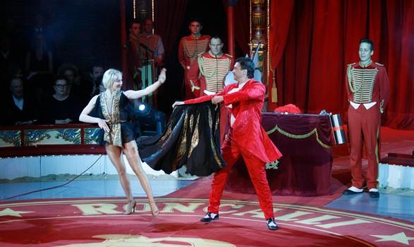 Victor Minasov - Ballon Act on the Höhner Rockin' Roncalli Show